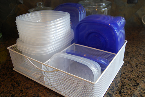 How To De Stink Smelly Plastic Containers Naturally